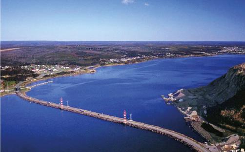 Der vor ca. 60 Jahren gebaute Canso Causeway Damm vereinfachte das Leben der Menschen auf Cape Breton Island enorm. Nun benötigt es keine Fähre mehr, um die Insel zu erreichen.